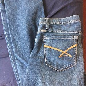 Kylie Cinch blue jeans